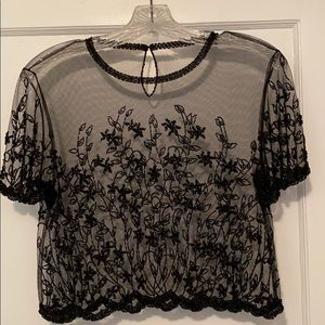 👚🖤 NWOT VINTAGE Sheer embroidered top